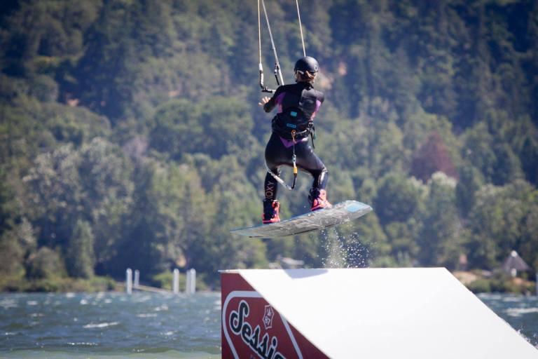 Slider Park kitesurfing Hood River